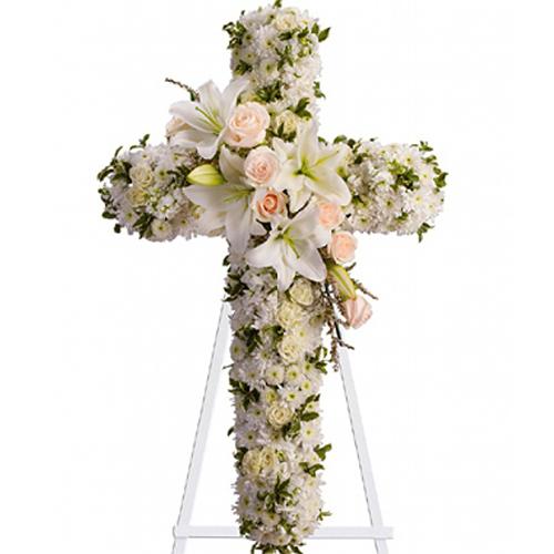 Cruz Fúnebre De Margarita Y Lilium Blancos Con Rosas Tono Pastel