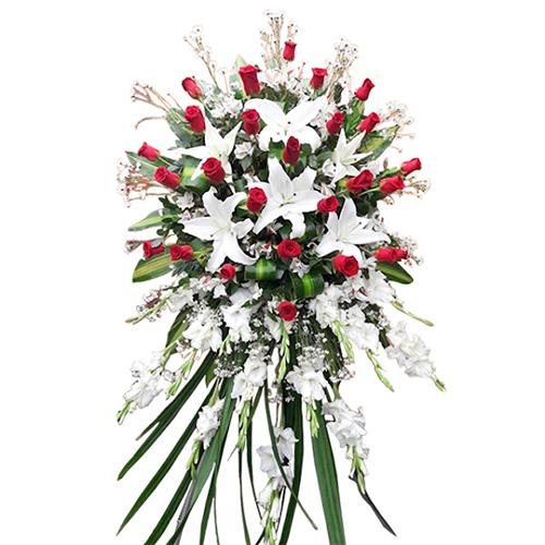Lagrima De Flores De Lirios Blancos Con Rosas Rojas